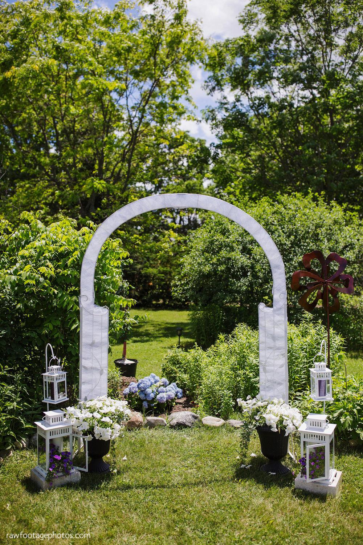 london_ontario_wedding_photographer-backyard_wedding-raw_footage_photography003.jpg