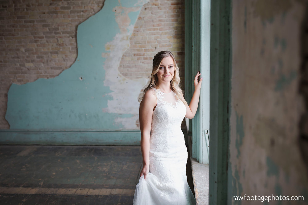 london_ontario_wedding_photographer-caso_train_station_wedding-st_thomas_photographer-raw_footage_photography002.jpg