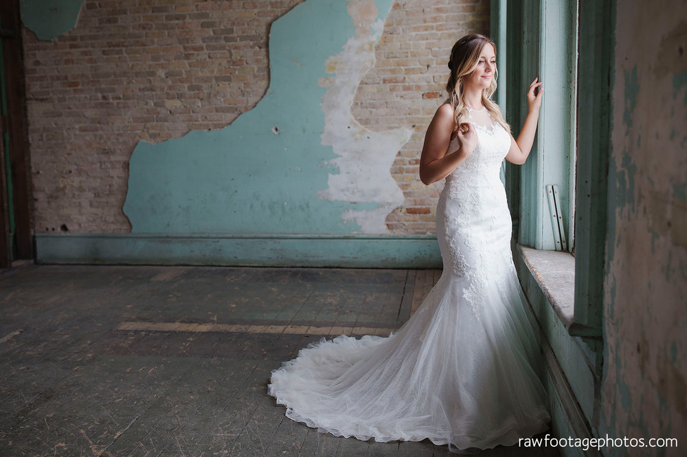london_ontario_wedding_photographer-caso_train_station_wedding-st_thomas_photographer-raw_footage_photography003.jpg