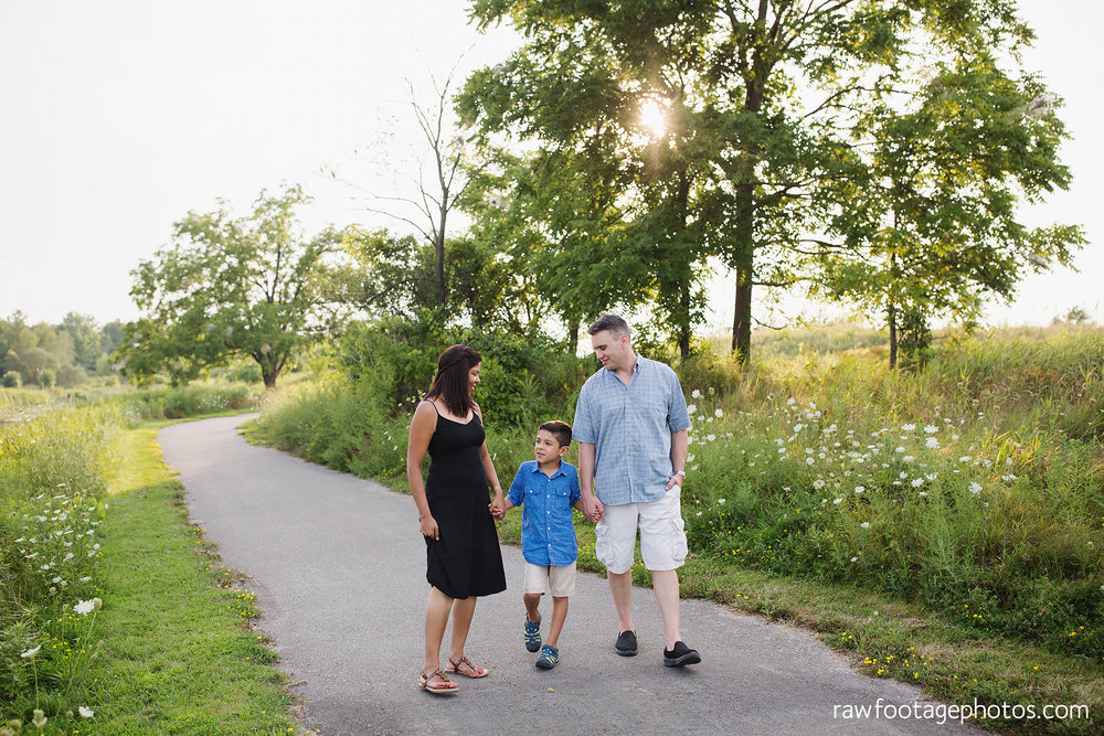 LONDON_ONTARIO_FAMILY_PHOTOGRAPHER-FALL_FAMILY_SESSION-RAW_FOOTAGE_PHOTOGRAPHY022.jpg