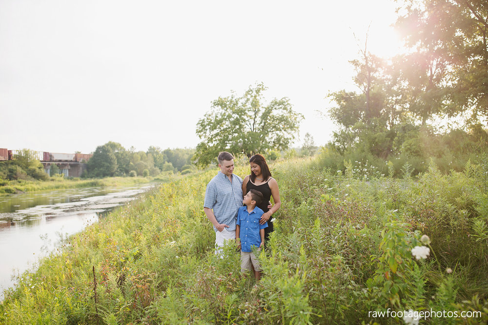 LONDON_ONTARIO_FAMILY_PHOTOGRAPHER-FALL_FAMILY_SESSION-RAW_FOOTAGE_PHOTOGRAPHY020.jpg