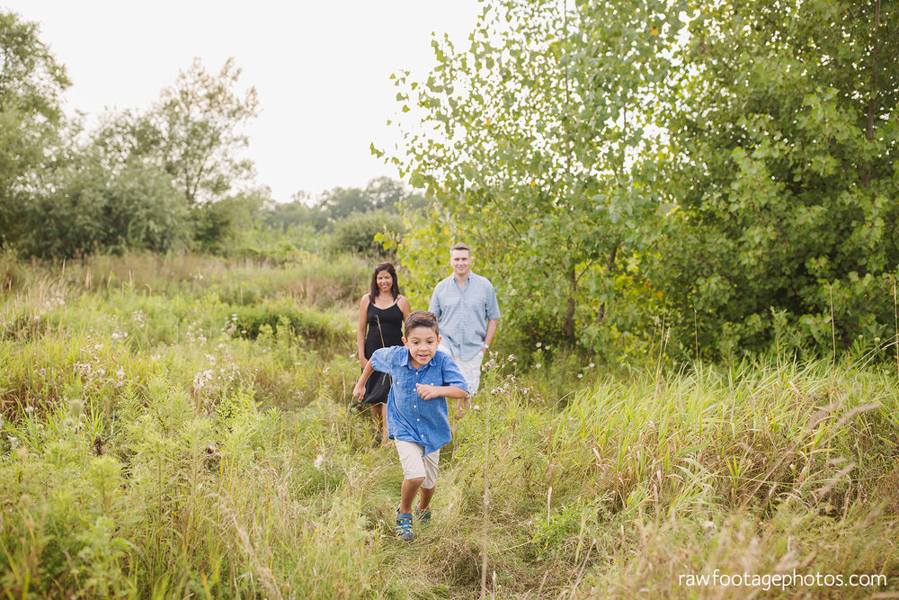 LONDON_ONTARIO_FAMILY_PHOTOGRAPHER-FALL_FAMILY_SESSION-RAW_FOOTAGE_PHOTOGRAPHY005.jpg