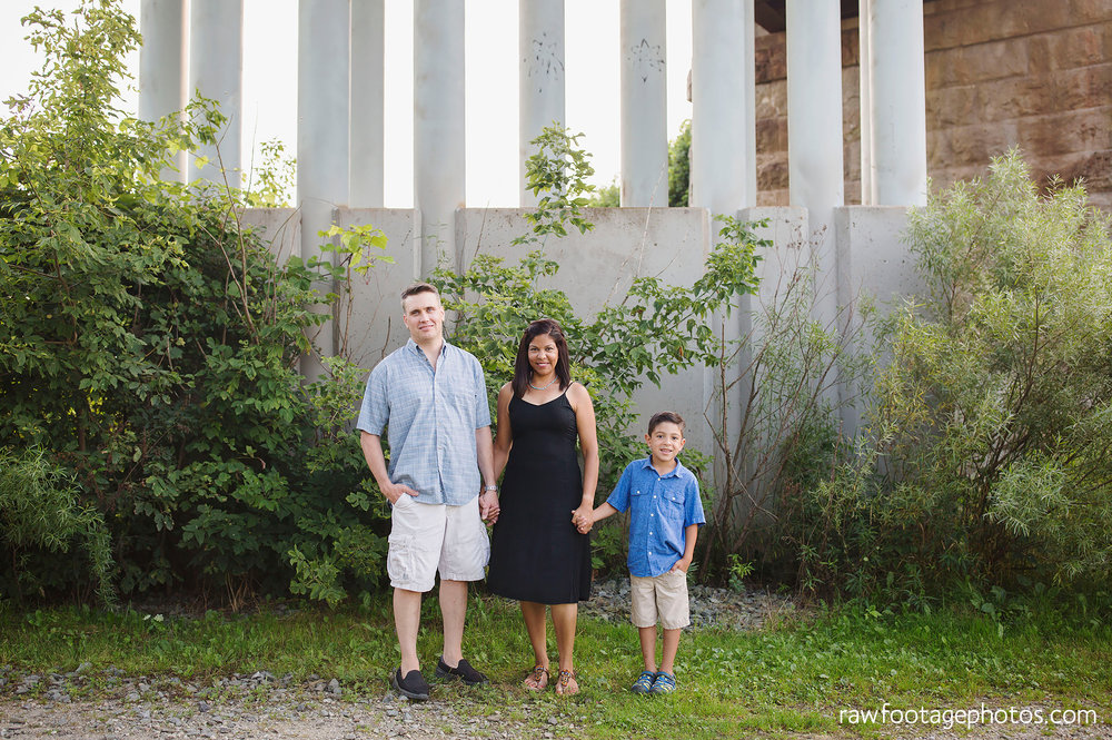 LONDON_ONTARIO_FAMILY_PHOTOGRAPHER-FALL_FAMILY_SESSION-RAW_FOOTAGE_PHOTOGRAPHY001.jpg
