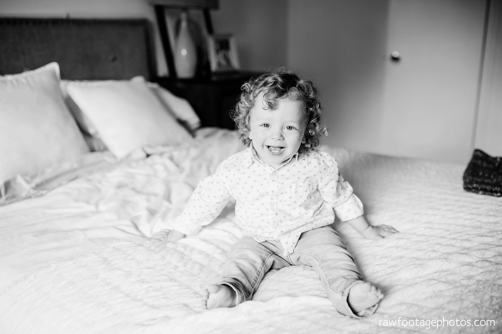 london_ontario_newborn_lifestyle_photography-in_home_newborn_session-raw_footage_photography012.jpg