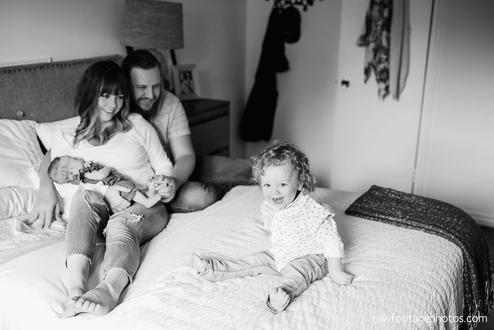 london_ontario_newborn_lifestyle_photography-in_home_newborn_session-raw_footage_photography007.jpg