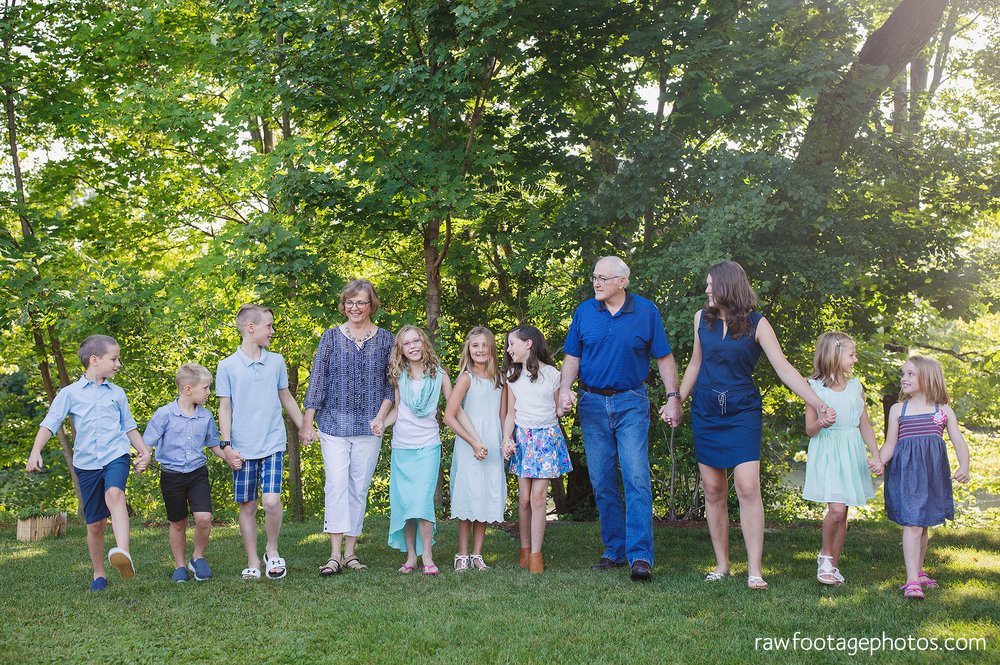 london_ontario_extended_family_backyard_session-raw_footage_photography021.jpg