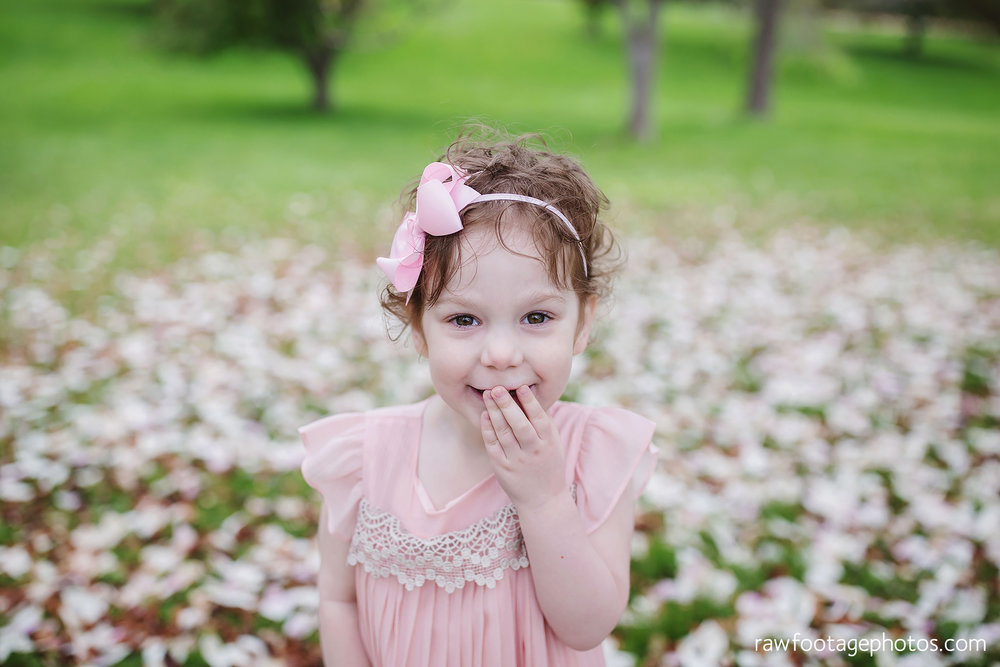 london_ontario_family_photographer-raw_footage_photography-spring_blossom_mini_sessions-magnolia-springbank_park006.jpg