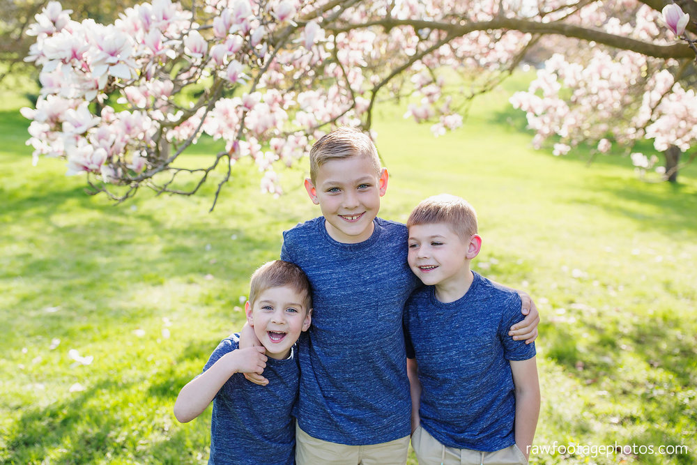 london_ontario_family_photographer-raw_footage_photography-spring_blossom_mini_sessions-magnolia-springbank_park015.jpg