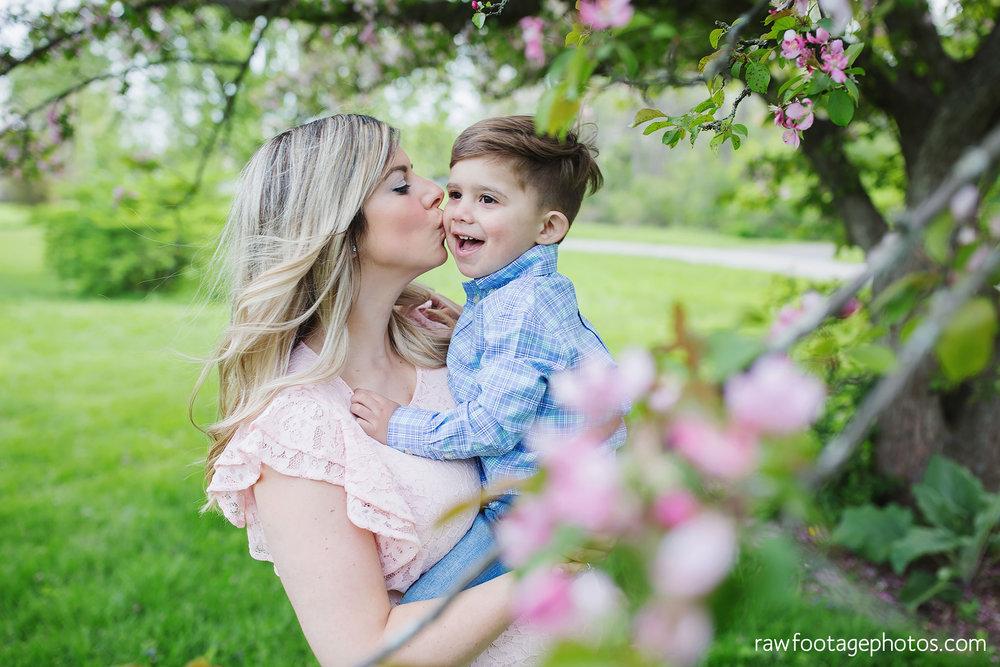 london_ontario_family_photographer-raw_footage_photography-spring_blossom_mini_sessions-magnolia-springbank_park030.jpg