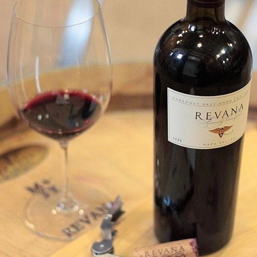 Our Meet the Winemaker series is in full swing Friday night in Tahoe City and Saturday night at Petra join us for a flight of wines from @revanawinery and Alexana Winery 6PM-8PM #alexanawinery #revanawinery #revanawine #winetasting #napavalley #napavalleywine #winelover #instawine  #uncorkedtahoe #petranorthstar #foodandwine #cheers