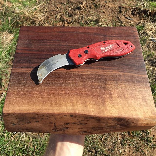 """Let's Trade! I love my $17 #milwaukee knife from Home Depot, but it's time to upgrade my everyday utility knife. I really like the hooked blade on this knife and have no complaints other than - """"it's old, and I want a new one."""" I'd like to trade this $78 black walnut serving tray for a knife of equal or lesser value. Happy to make a larger tray for a nicer knife.... #trade"""