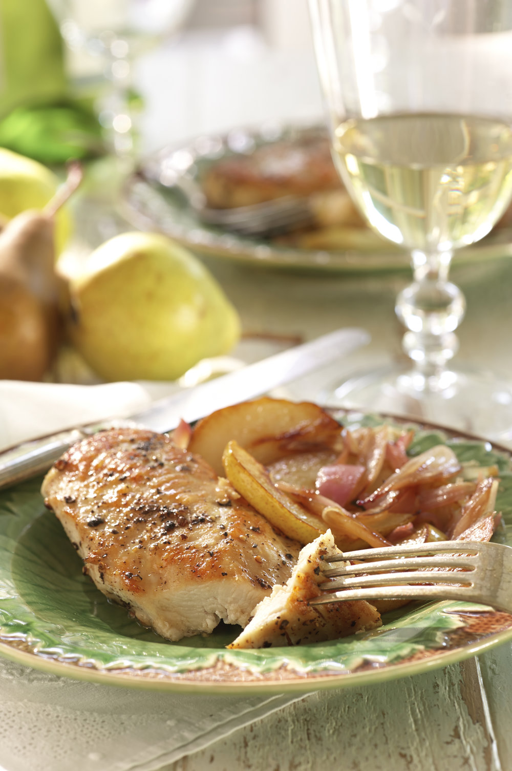 Chicken_Breasts_with_Caramelized_Pears_and_Shallots_00569.jpg
