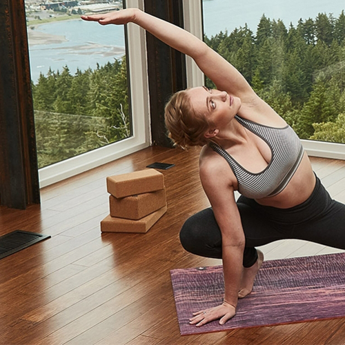 MANDUKA - Yoga practice mats and apparel rooted in principles of conservancy and transparency.