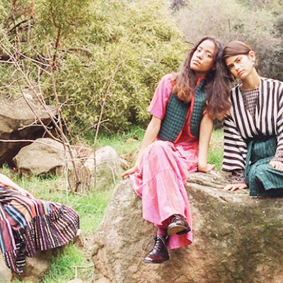 ACE & JIG - Artisan weavers in India design and create all of their own dye woven textiles, through a manufacturing process that ensures not a drop of water goes to waste in their facility.