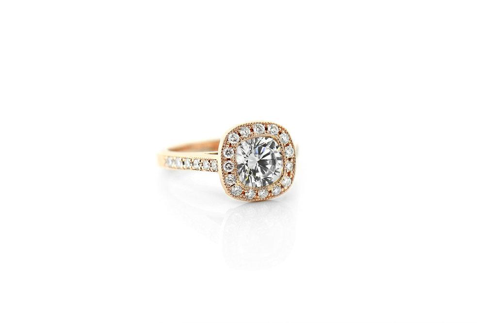 Luxury Antique Ring  $2,049