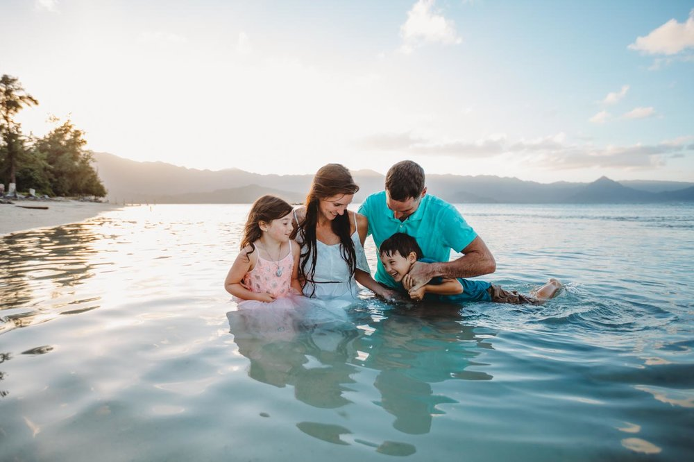 Oahu Family Photography, family out together in the water