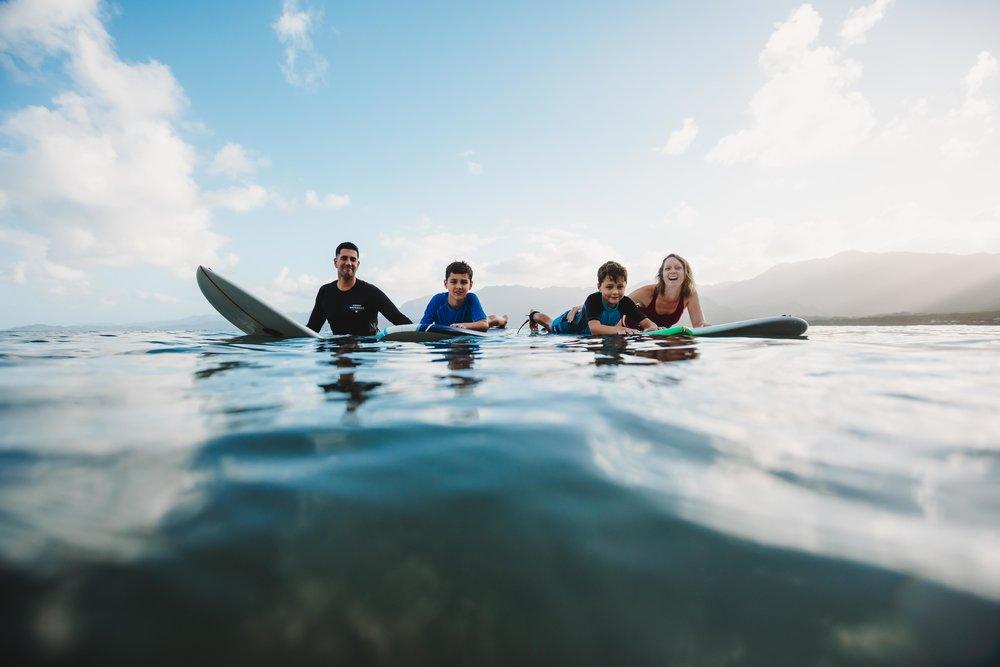 chelsie thompson photography surfer kualoa-2.jpg