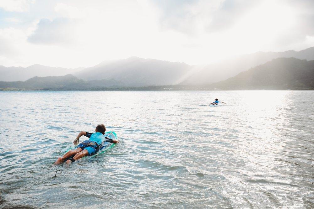chelsie thompson photography surfer kualoa-1.jpg