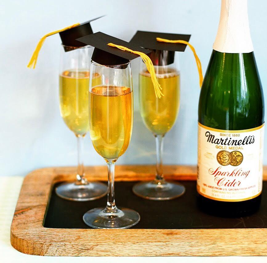GraduationChampagneFluteCapsLilyshop1.jpeg