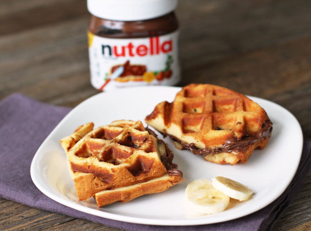 NutellaBananaWaffleSandwich2.jpg