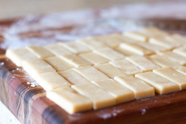 Dominos1.jpg