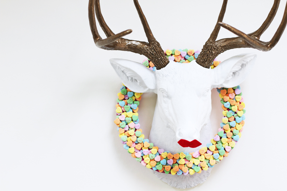 ReindeerHeartWreathLilyshop1(1).jpg