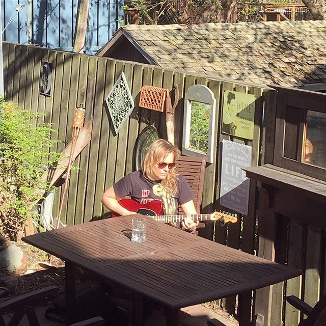 strummin' in the sunshine ☀️come see the show tonight at @paintedladyossington in #toronto at 9PM . . . . . #sunshine #strumming #goodtimes #beautyday #telecaster #backyard #feelingfine #canadianmusicweek #originalmusic #showcase #blogTO #livemusic #musicscene #rock #hardrock