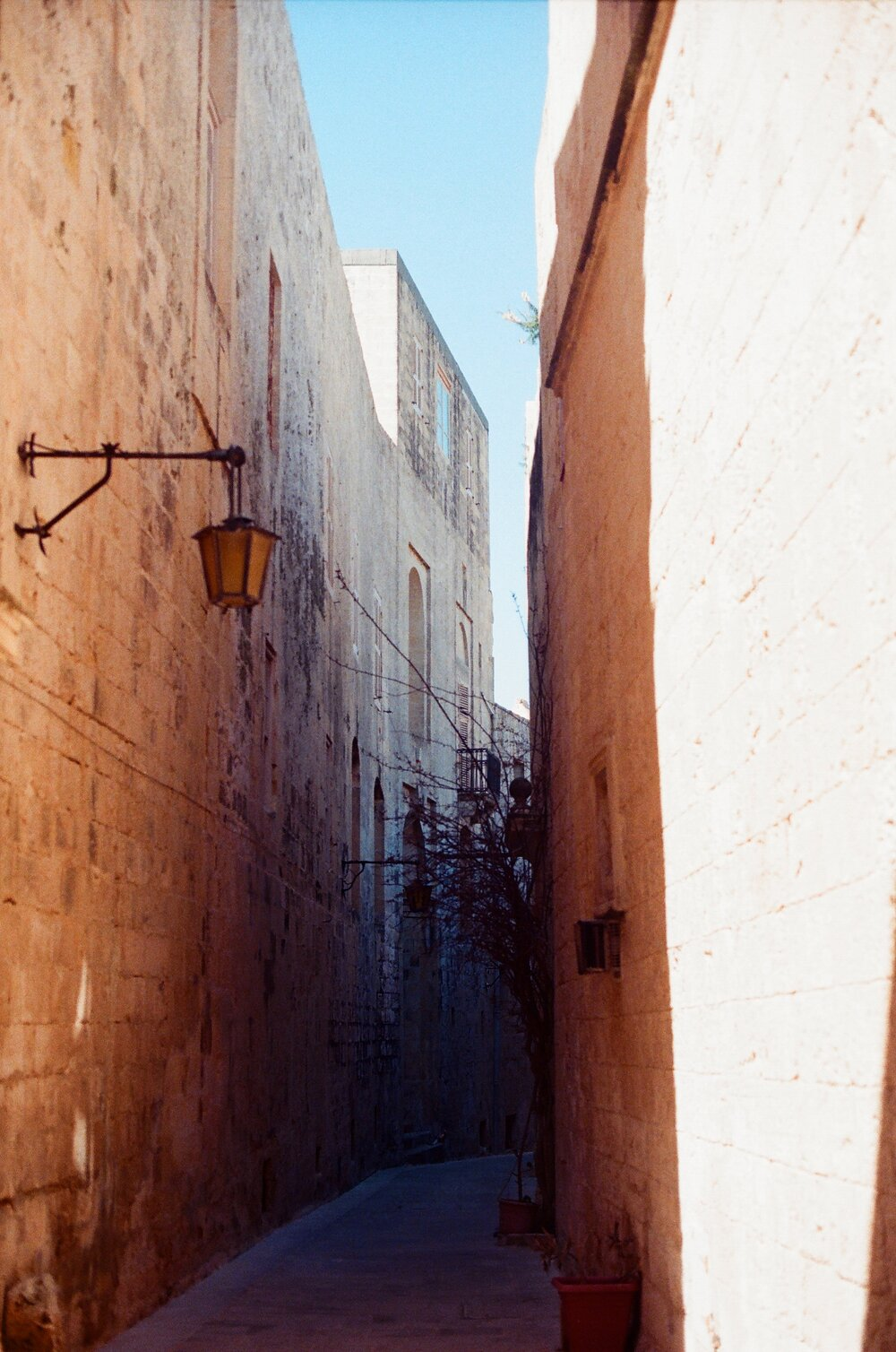 Maltese Alleyway