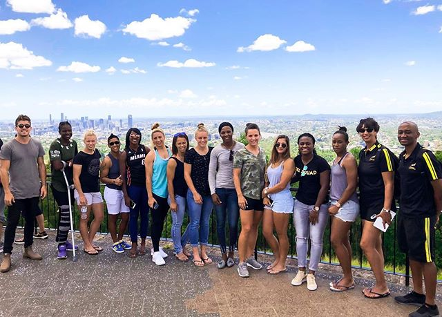Our @bokrugby Women finished 3rd over the weekend in outstanding performances! They checked out the view from Mount Coot-Tha this morning before they fly home this evening. It has been a pleasure welcoming them to Brisbane 🙌🏼 Thanks to @samcaslick for the shot! #super7sbrisbane #besuper