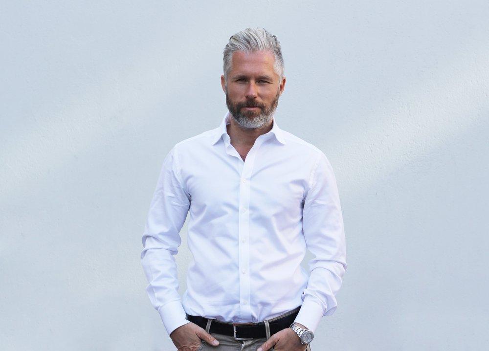 """Patrik Wincent. VD och terapeut på Shoppingakuten samt författare av boken """"Shop til you drop"""""""