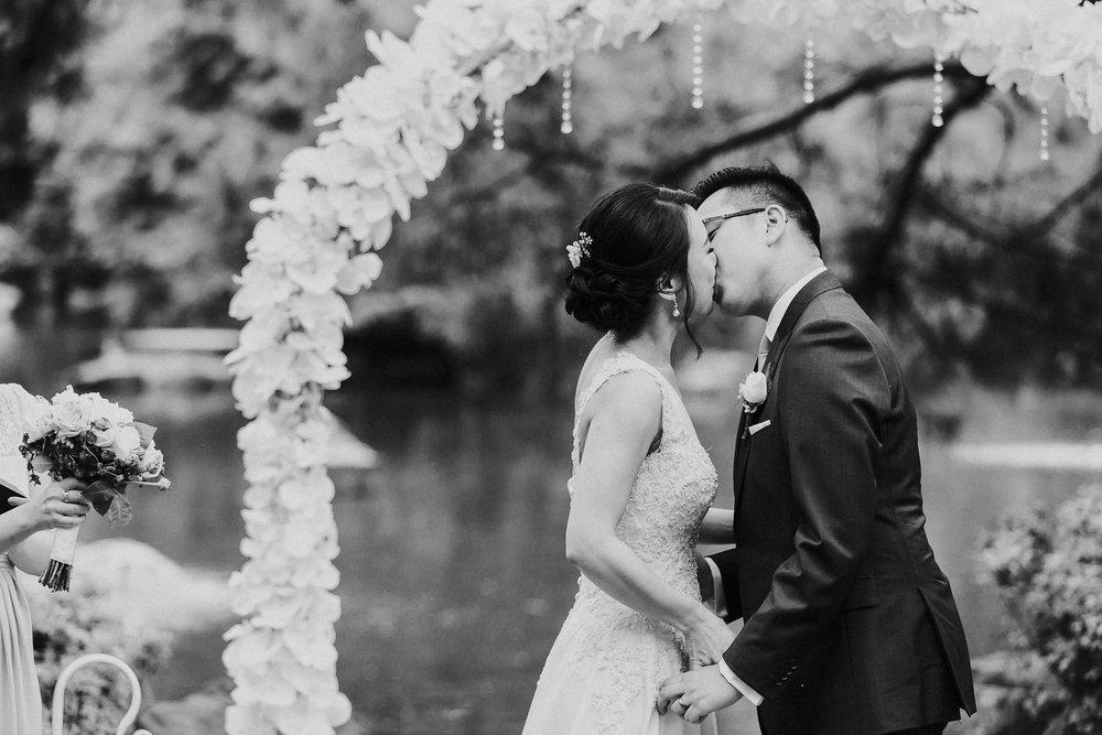 Sydney Wedding Photography Auburn Botanic Gardens - 044.jpg