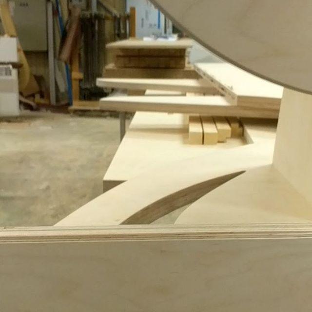 Spennende prosjekt på gang ☀️🌳 #sneakpeak #hoffsnekkerverksted #byfesten #kunnskapsbyenlillestrøm #wood #pine #design