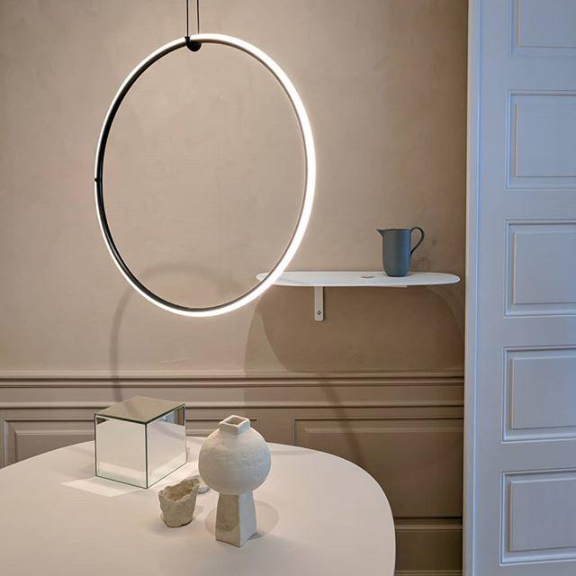 Så mye fint å se! 🇩🇰 #kapselpåtur #interiorinspo #erikjørgensen #fourdesign #furniture #interior #danskesmørrebrød