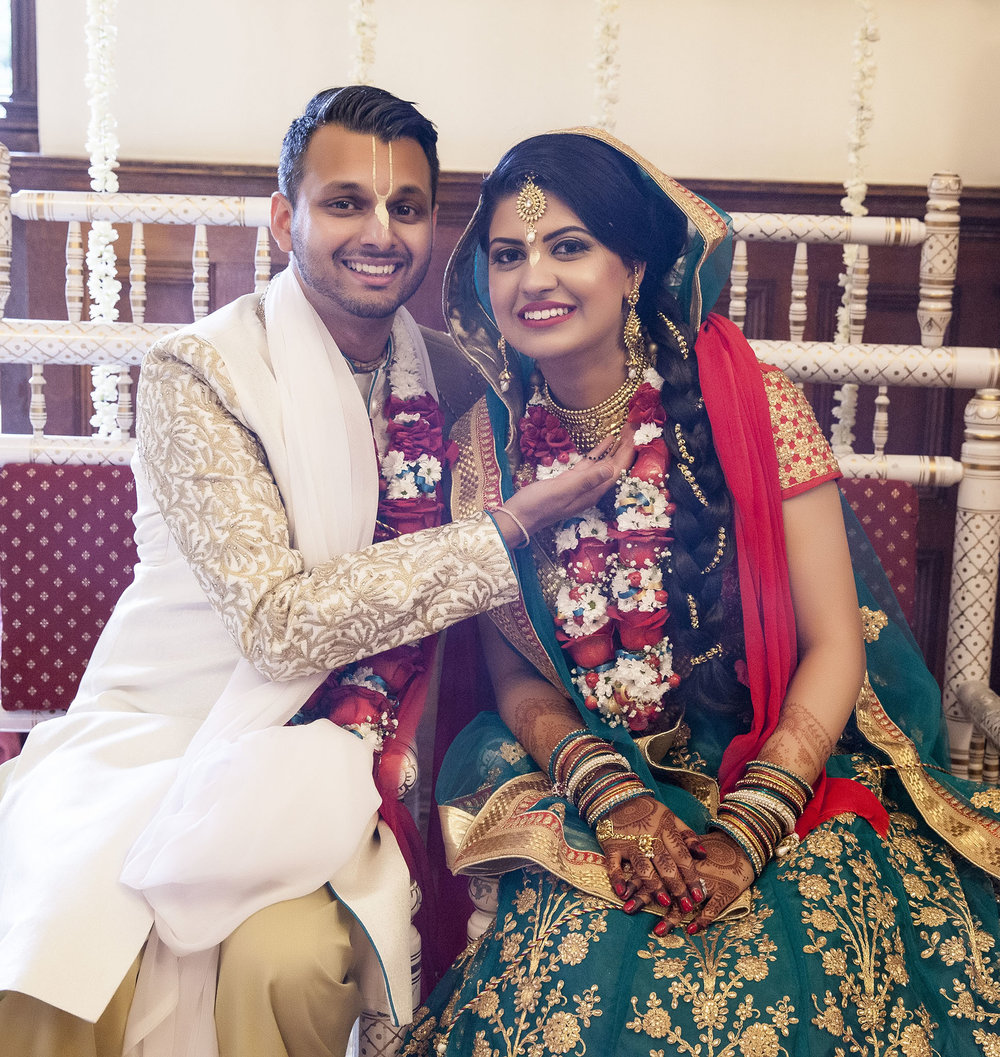 elizabethgphotography_kingslangley_hertfordshire_fineart_indian_wedding_photography_jigna_bhuja_bhaktivedanta_manor_watford_35.jpg