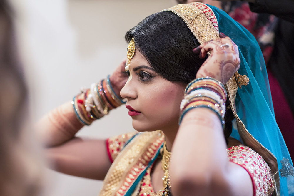 elizabethgphotography_kingslangley_hertfordshire_fineart_indian_wedding_photography_jigna_bhuja_bhaktivedanta_manor_watford_84.jpg