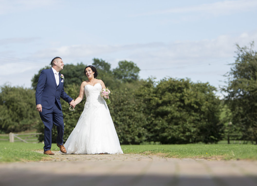 elizabethgphotography_kingslangley_hertfordshire_fineart_wedding_tewinbury_farm_tayna_24.jpg