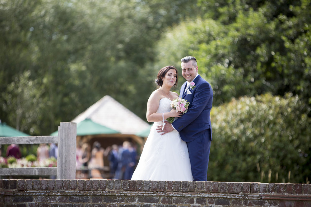 elizabethgphotography_kingslangley_hertfordshire_fineart_wedding_tewinbury_farm_tayna_28.jpg