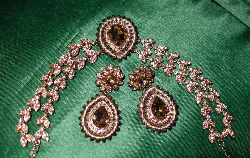 elizabethgphotography_kingslangley_hertfordshire_fineart_indian_wedding_photography_bhavesh_kundalata_bhaktivedanta_manor_watford_jpg01.jpg