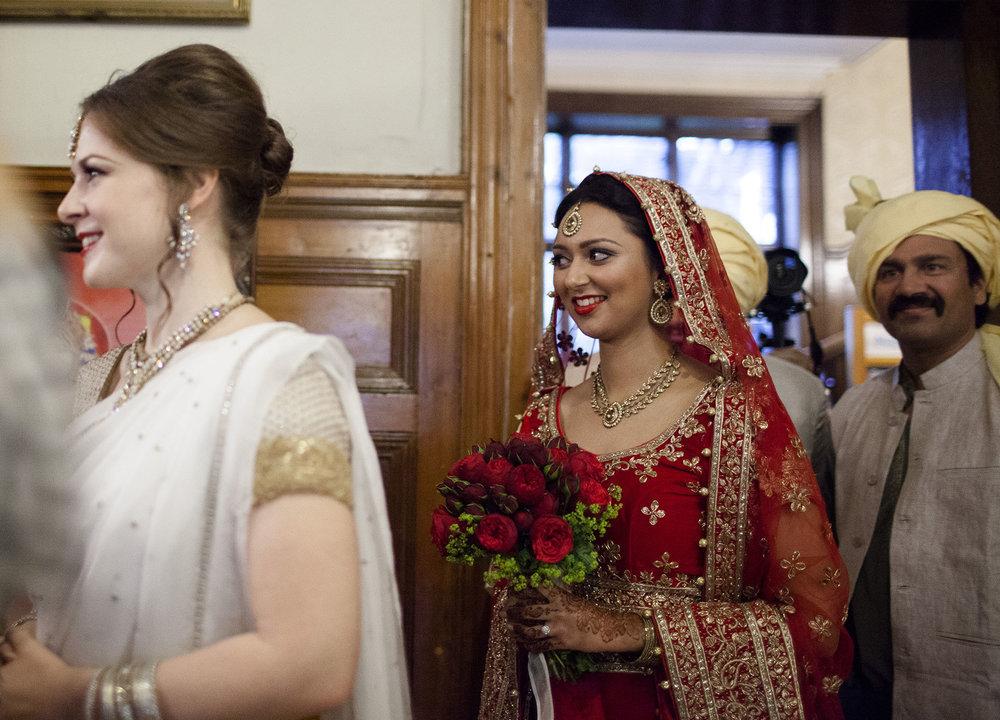 elizabethgphotography_kingslangley_hertfordshire_fineart_indian_wedding_photography_bhavesh_kundalata_bhaktivedanta_manor_watford_jpg04.jpg