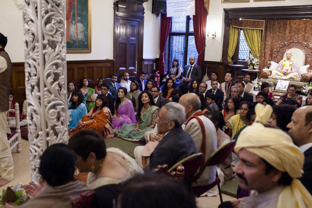 elizabethgphotography_kingslangley_hertfordshire_fineart_indian_wedding_photography_bhavesh_kundalata_bhaktivedanta_manor_watford_jpg09.jpg