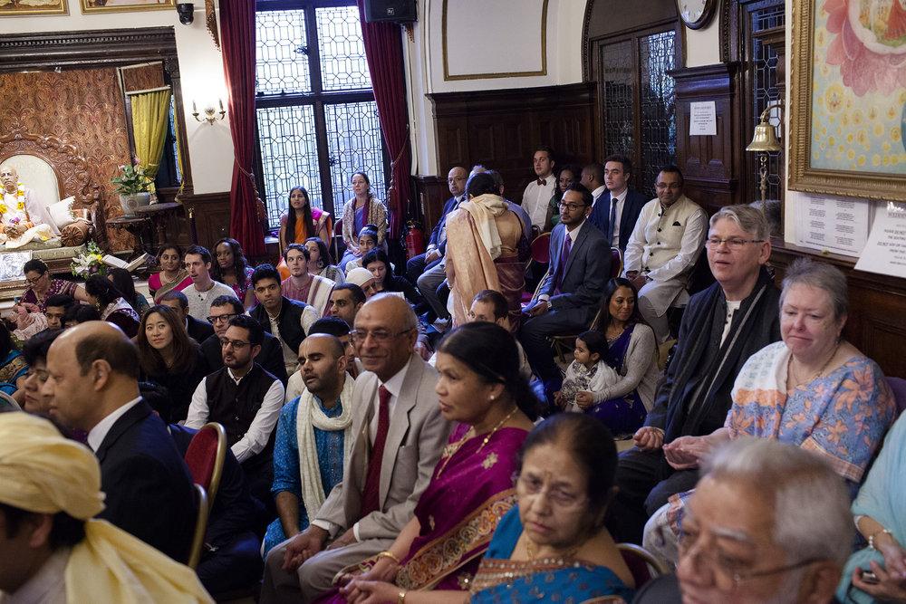 elizabethgphotography_kingslangley_hertfordshire_fineart_indian_wedding_photography_bhavesh_kundalata_bhaktivedanta_manor_watford_jpg10.jpg