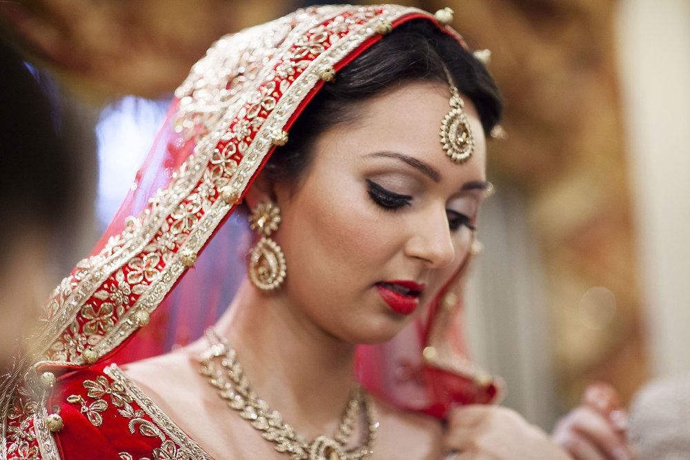 elizabethgphotography_kingslangley_hertfordshire_fineart_indian_wedding_photography_bhavesh_kundalata_bhaktivedanta_manor_watford_jpg12.jpg