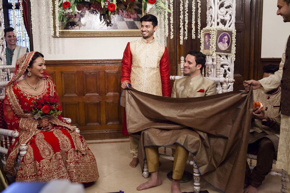 elizabethgphotography_kingslangley_hertfordshire_fineart_indian_wedding_photography_bhavesh_kundalata_bhaktivedanta_manor_watford_jpg15.jpg