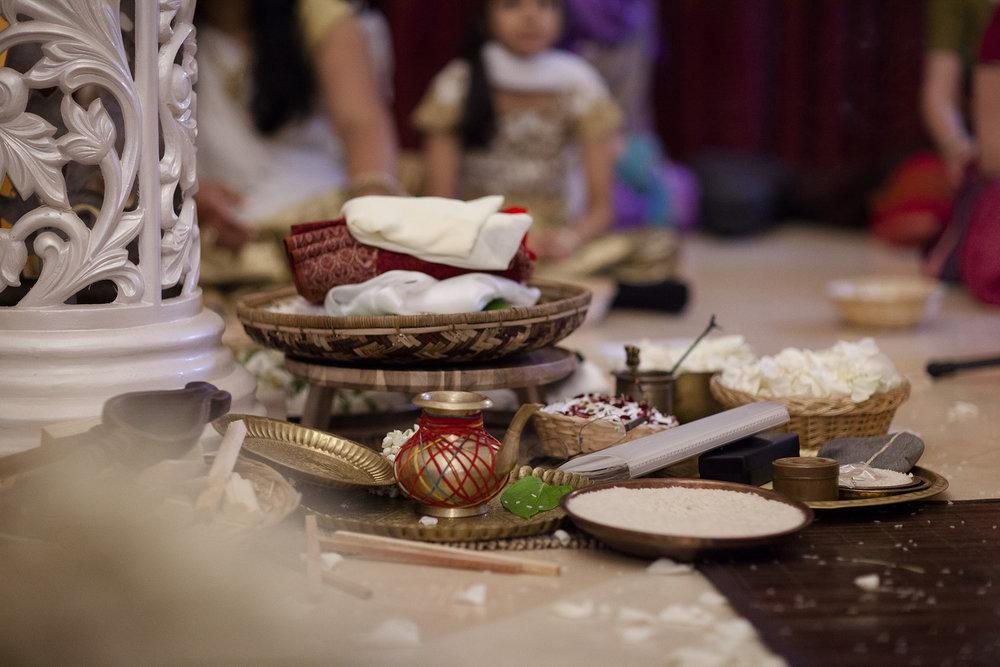 elizabethgphotography_kingslangley_hertfordshire_fineart_indian_wedding_photography_bhavesh_kundalata_bhaktivedanta_manor_watford_jpg20.jpg