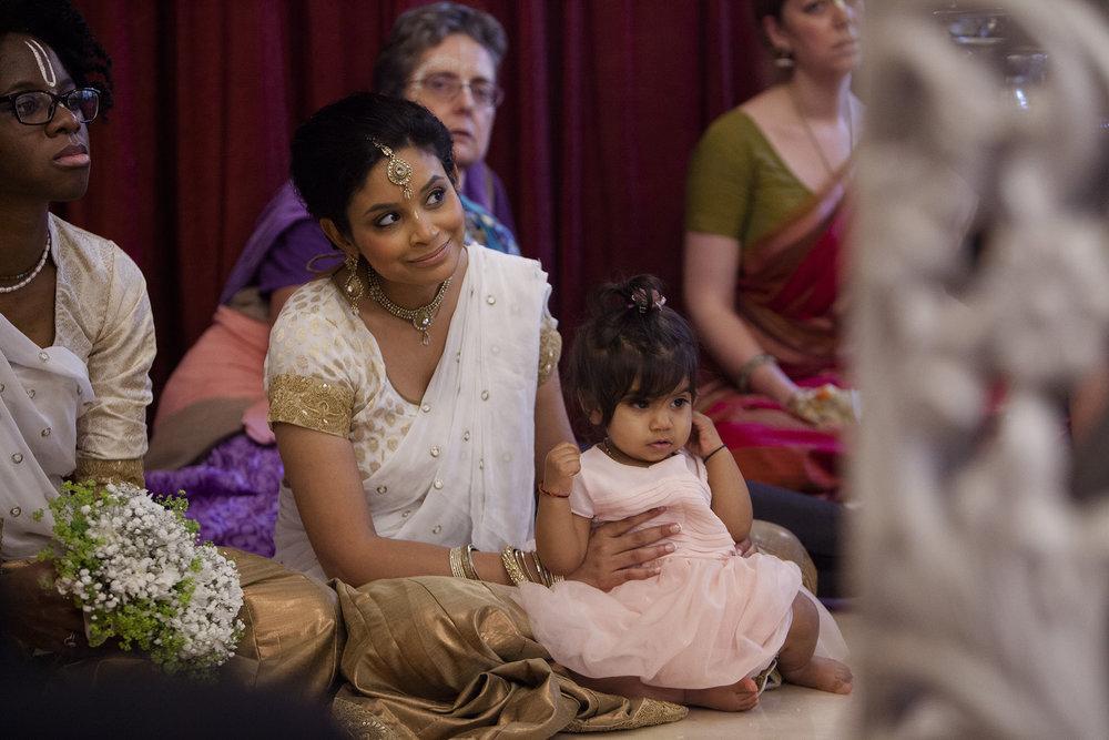 elizabethgphotography_kingslangley_hertfordshire_fineart_indian_wedding_photography_bhavesh_kundalata_bhaktivedanta_manor_watford_jpg33.jpg