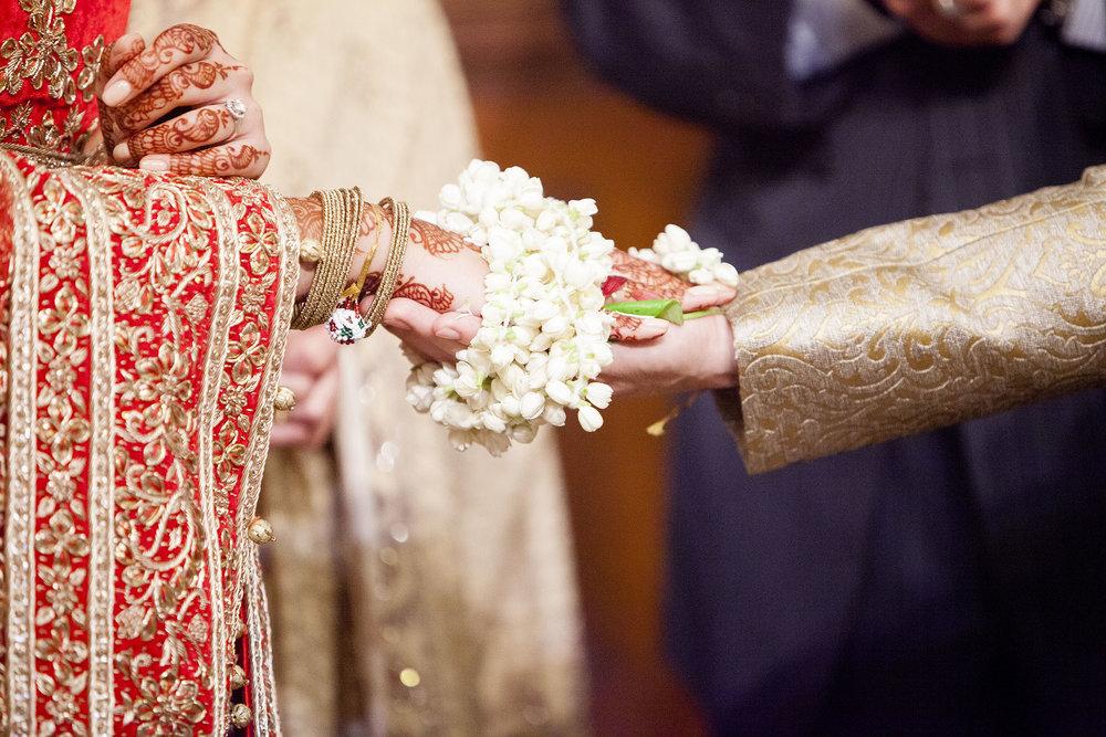 elizabethgphotography_kingslangley_hertfordshire_fineart_indian_wedding_photography_bhavesh_kundalata_bhaktivedanta_manor_watford_jpg36.jpg