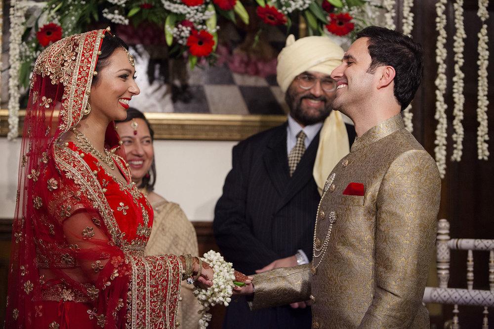 elizabethgphotography_kingslangley_hertfordshire_fineart_indian_wedding_photography_bhavesh_kundalata_bhaktivedanta_manor_watford_jpg39.jpg