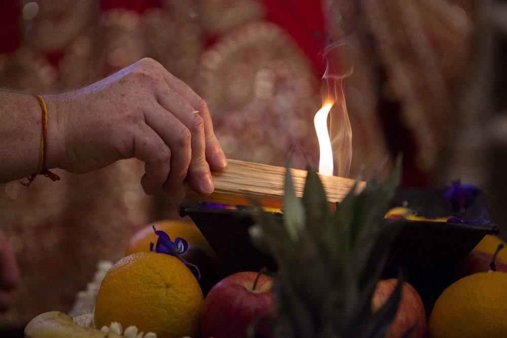 elizabethgphotography_kingslangley_hertfordshire_fineart_indian_wedding_photography_bhavesh_kundalata_bhaktivedanta_manor_watford_jpg42.jpg