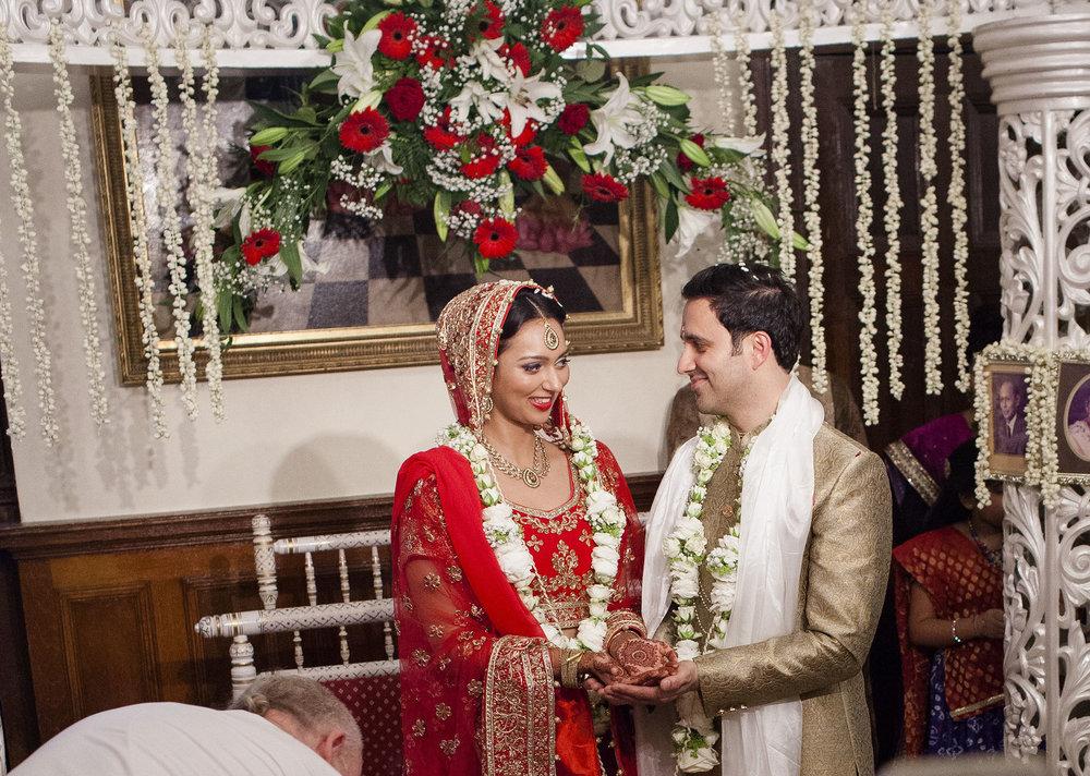elizabethgphotography_kingslangley_hertfordshire_fineart_indian_wedding_photography_bhavesh_kundalata_bhaktivedanta_manor_watford_jpg43.jpg