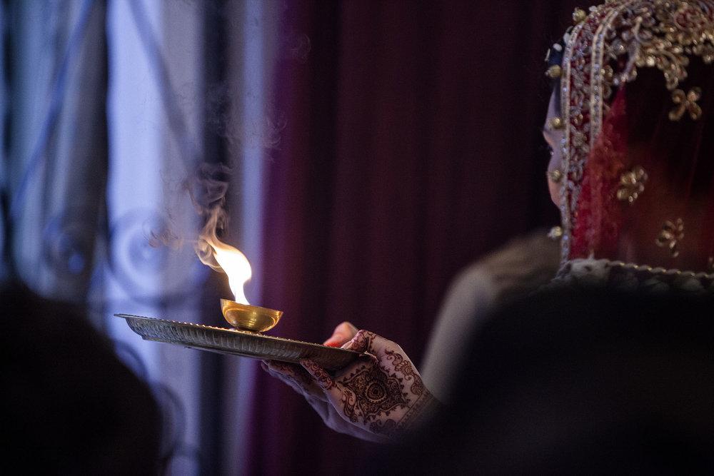 elizabethgphotography_kingslangley_hertfordshire_fineart_indian_wedding_photography_bhavesh_kundalata_bhaktivedanta_manor_watford_jpg51.jpg